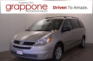 Pre-Owned 2004 Toyota Sienna